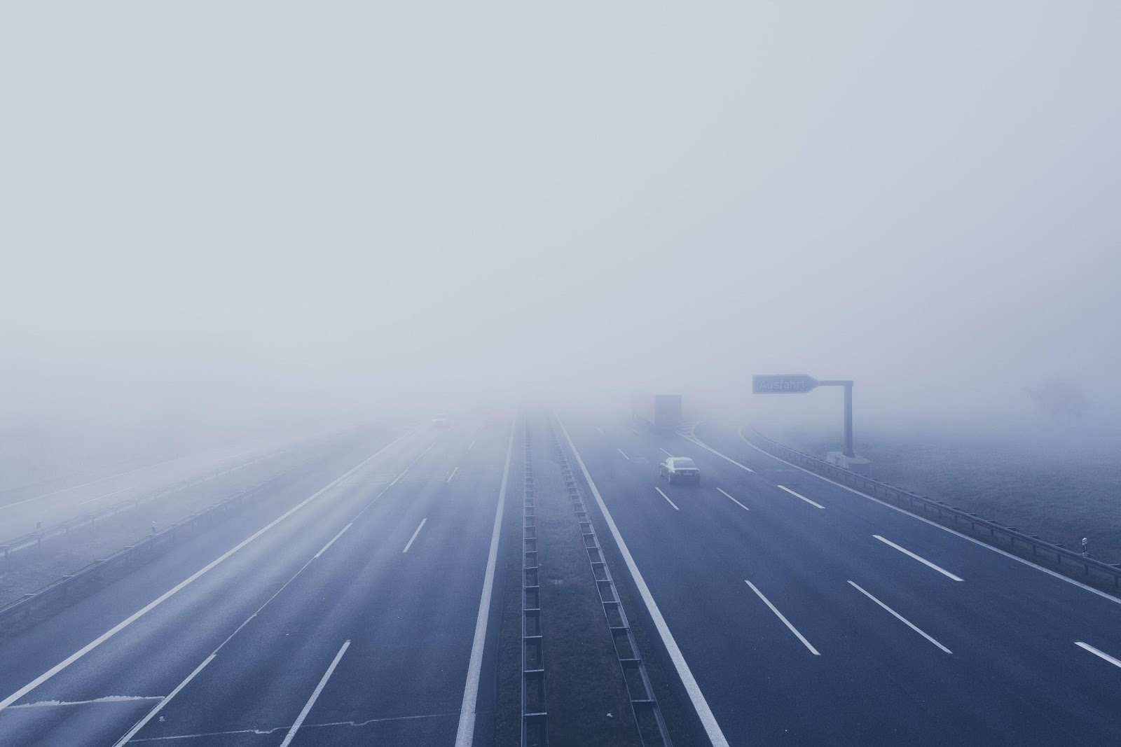 driving in the fog can be tricky, here is how you implement fuel-efficient driving in the fog.